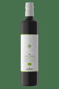Una bottiglia di olio Mille900 Biologico da 750 ml